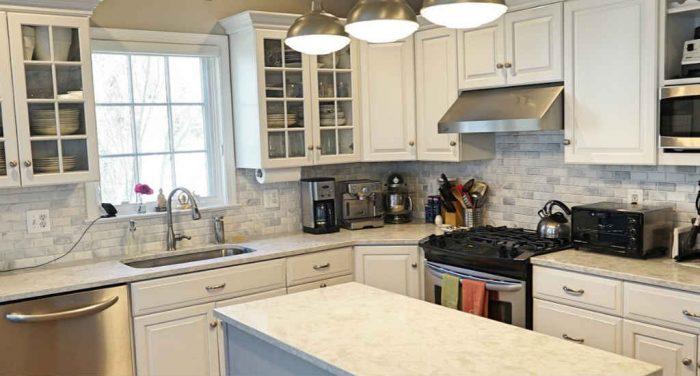 Renovating Compact Kitchens